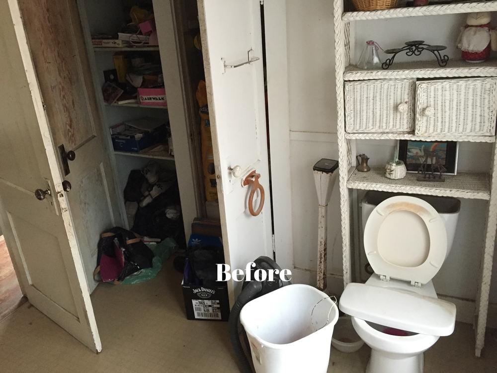 Bathroom Before 2.jpg