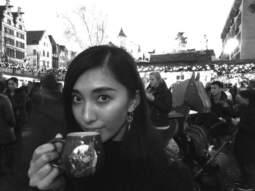 19.Dez.2015 : Mein letzter Glühwein in diesem Jahr - auf dem Weihnachtsmarkt in der Altstadt