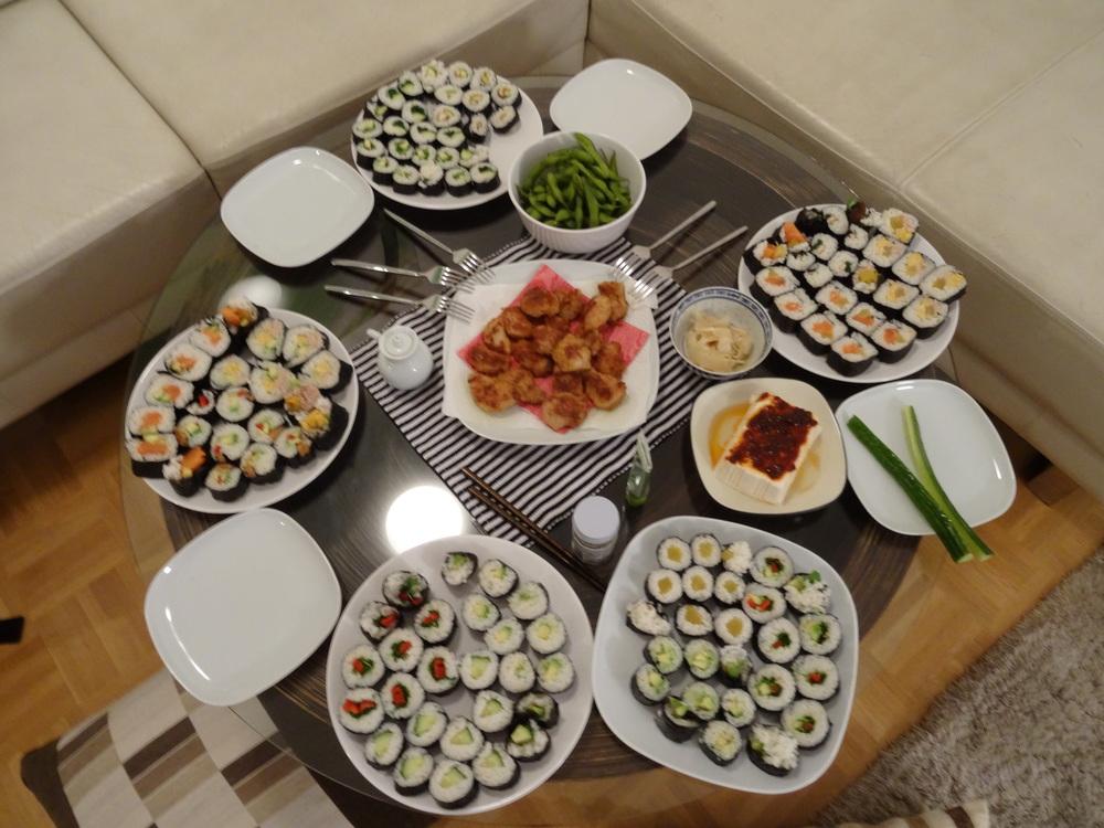 11.Dez.2015 : wir haben ganz viele Sushi gemacht!