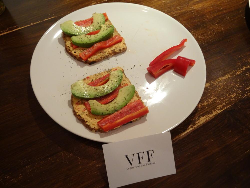 18.Dez.2015 : Avocado-Flatschen,die Justina gemacht hatte
