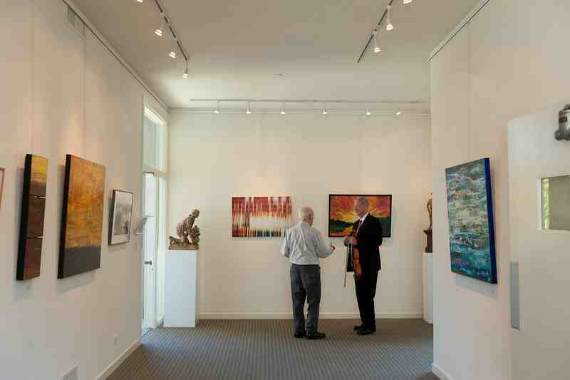2-Two-men-in-gallery.jpg