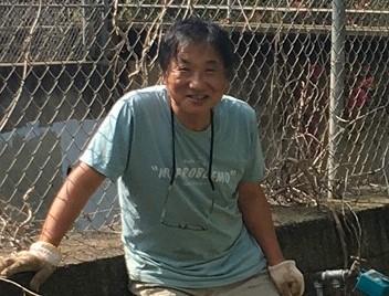 畑仕事のノリさん。ハワイパロロ本願寺 藤森宜明住職