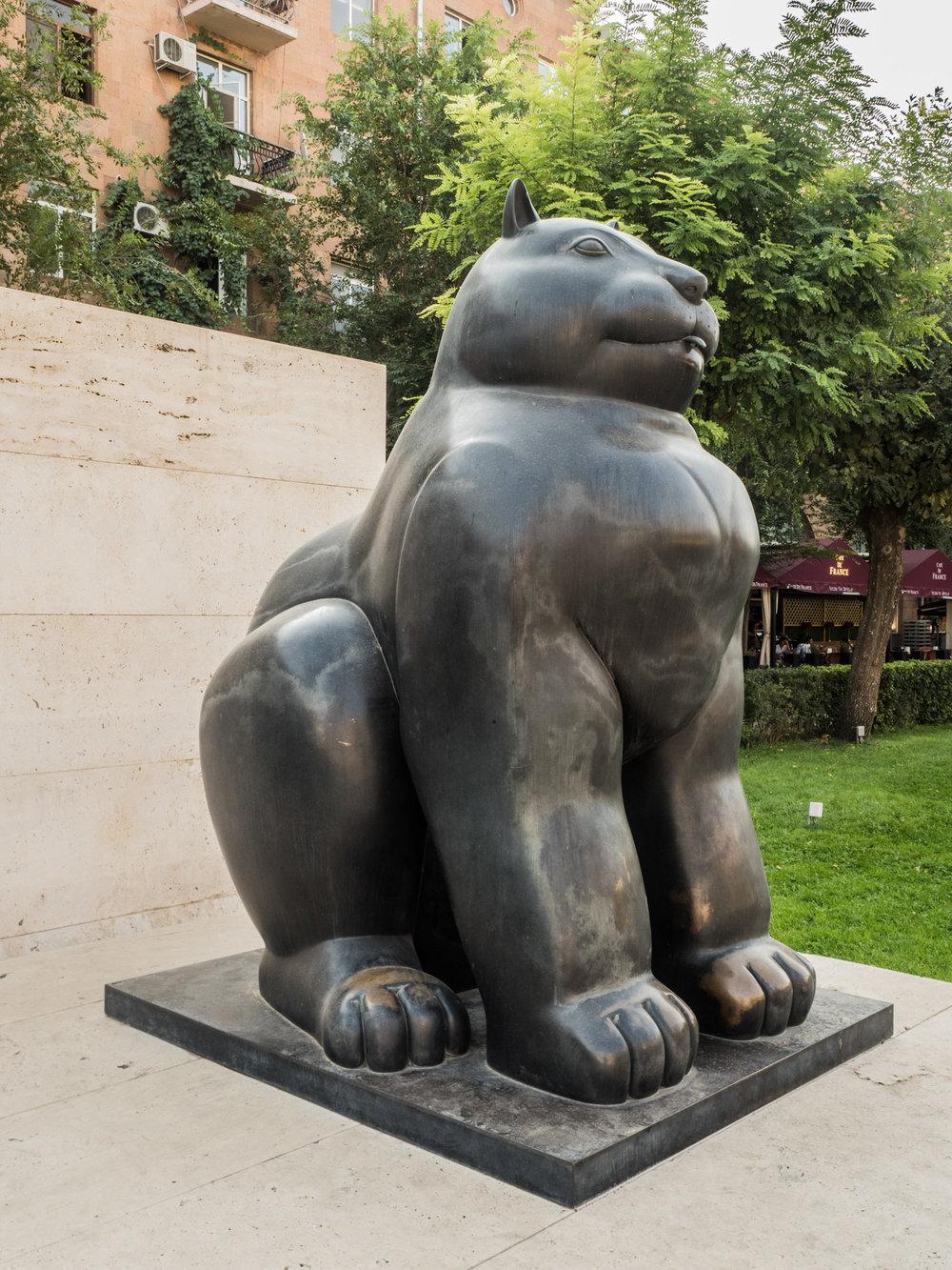 Sculpture Fernando Botero, Gatto