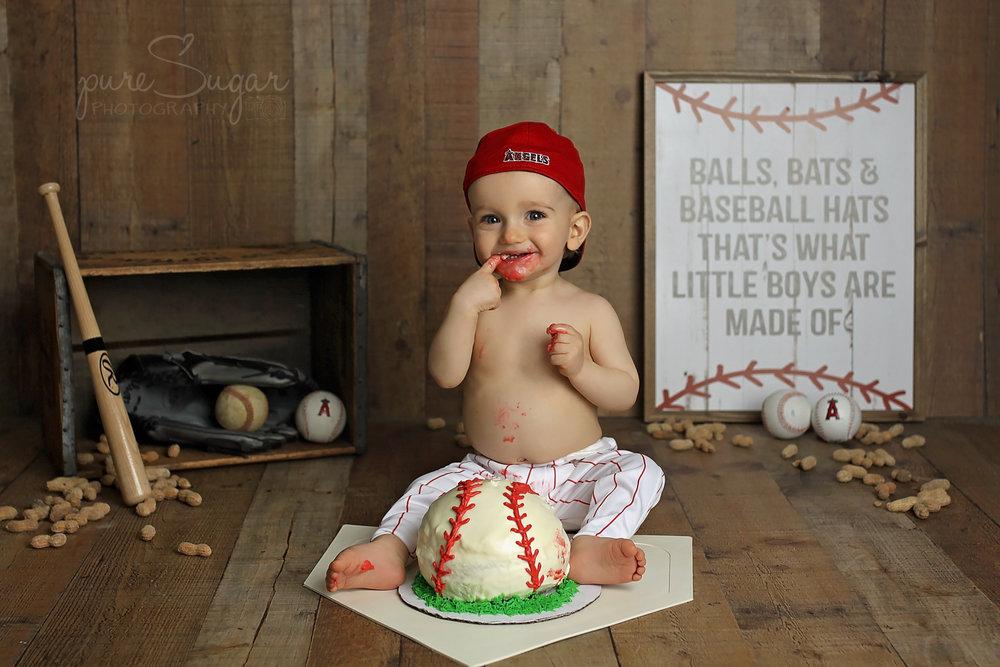 oliver cake smash-3 copy.jpg