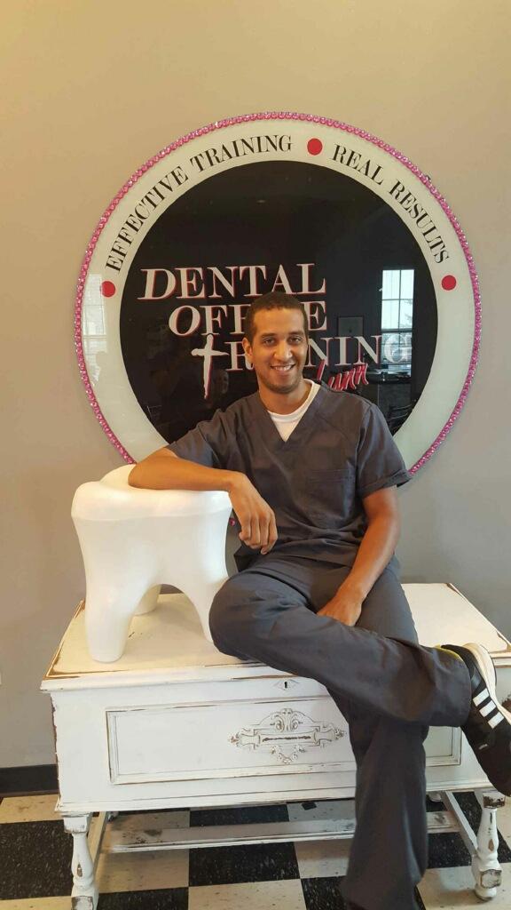 men-healthcare-dental-assisting.jpg