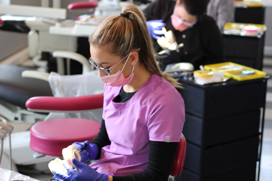 best-dental-assisting-program-nearme-13.jpg