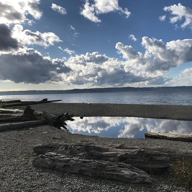 Time to say goodbye to Seattle again! Adios, til next time, so long...so short. #traveling #stylistlife #nature #seattlesites #water #beach
