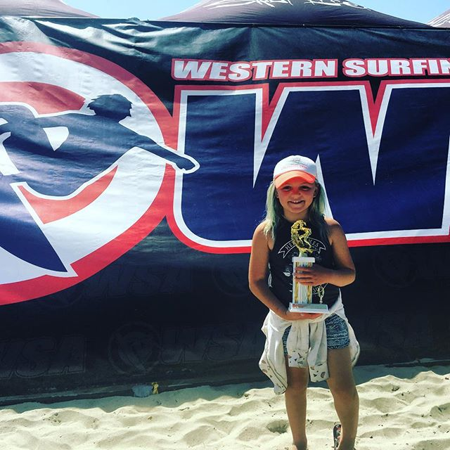 So stoked and proud of this young surfer! Ella Moss ripped at yesterday's WSA Contest at Salt Creek and got 5th place overall in her division! Great job Ella! So proud of you! 🌊😎🏄 @ellamosssc @surfwsa  #surf #surfer #surfing #surfcontest