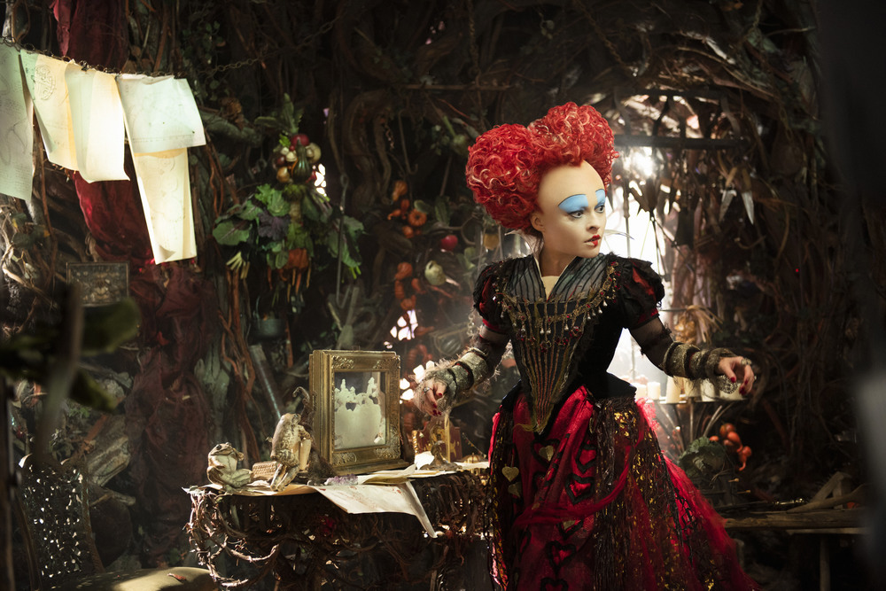 This story digs a bit deeper into the past of the The Red Queen (Bonham Carter)too.