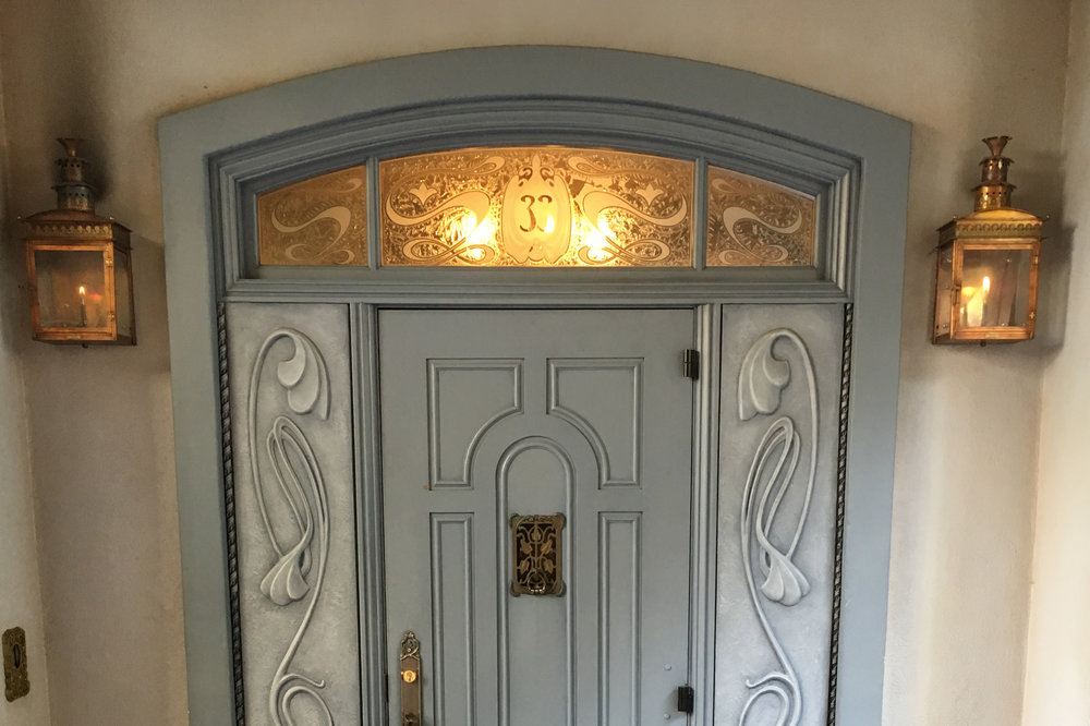 The new secret entrance to the exclusive Club 33