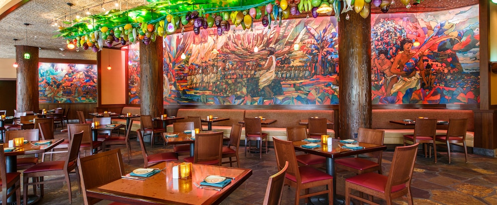 The interior of the restaurant featured culture inspired decor. (Photo credit: disneyaulani.com)