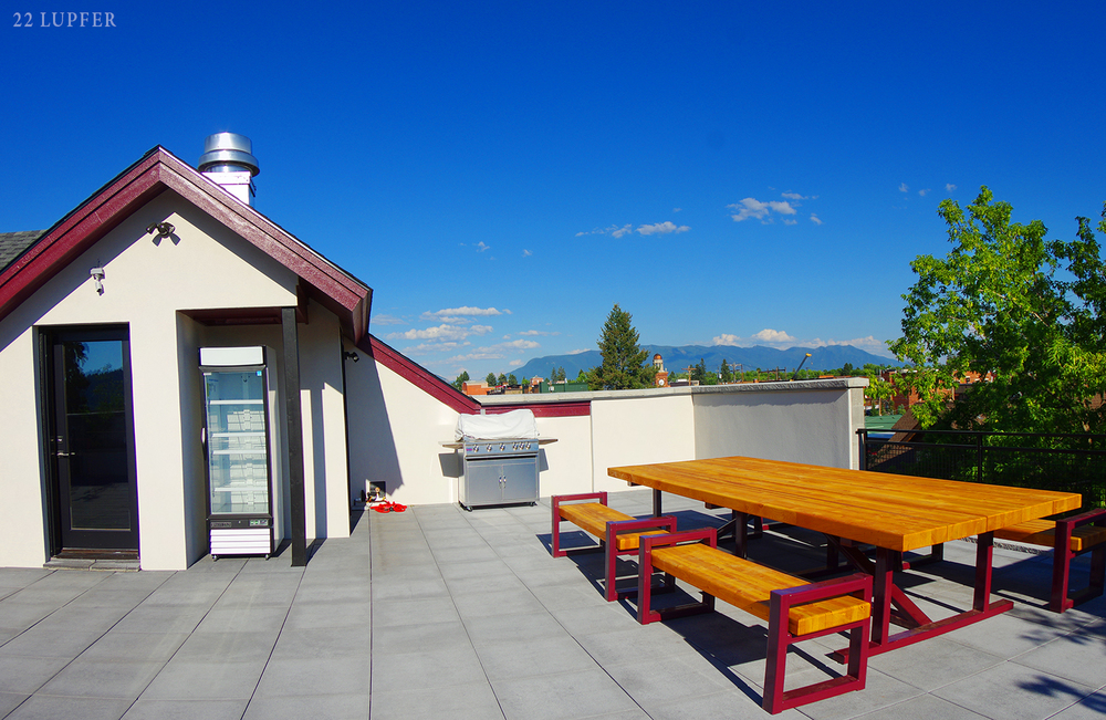 roof garden table 1500 px.jpg