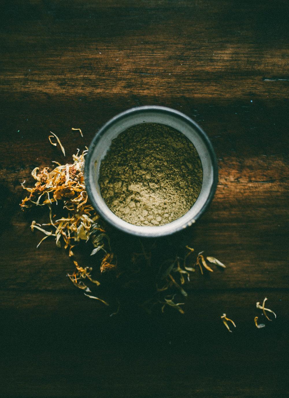 powered dry calendula & chamomile flowers