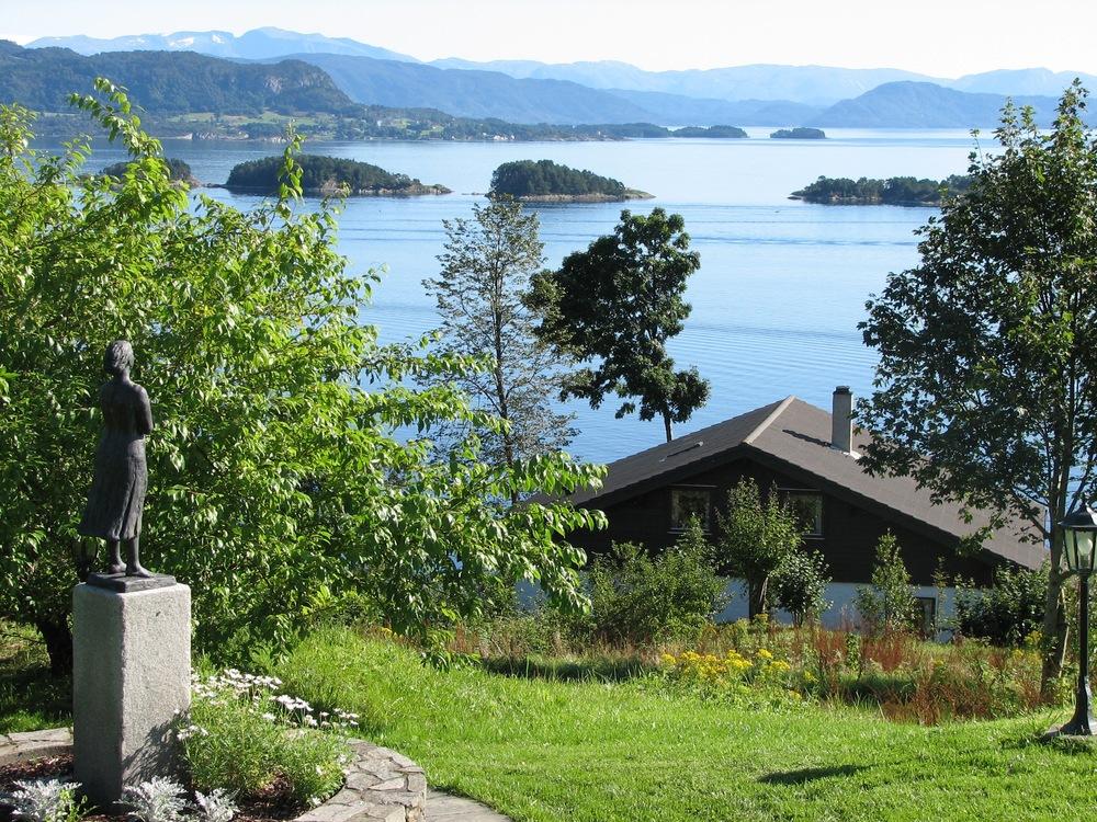 Bjornefjord in Bergen.jpg