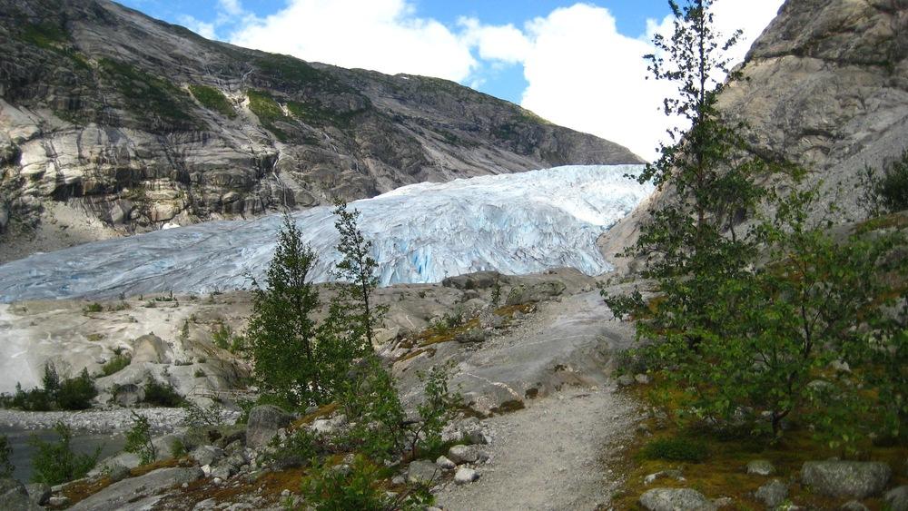 Jostedals ice glacier.jpg