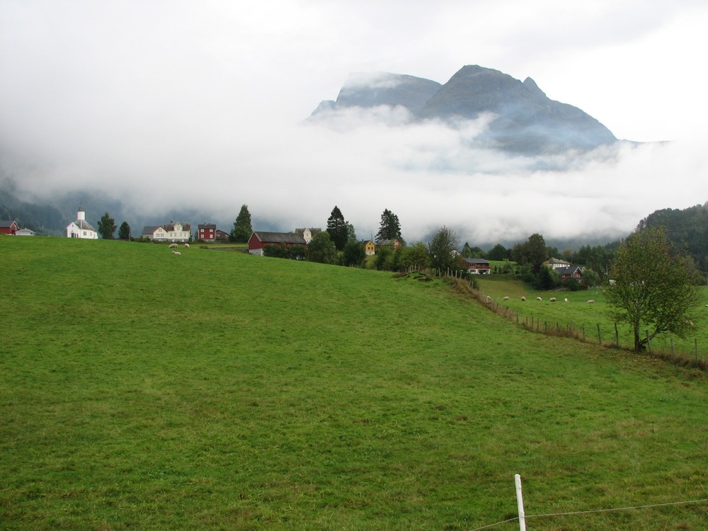 Loen in sogn og fjordane.jpg