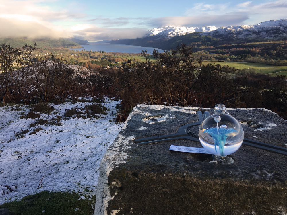travelling-memorial-glass-urn-with-ashes-lockness-lake-scotland