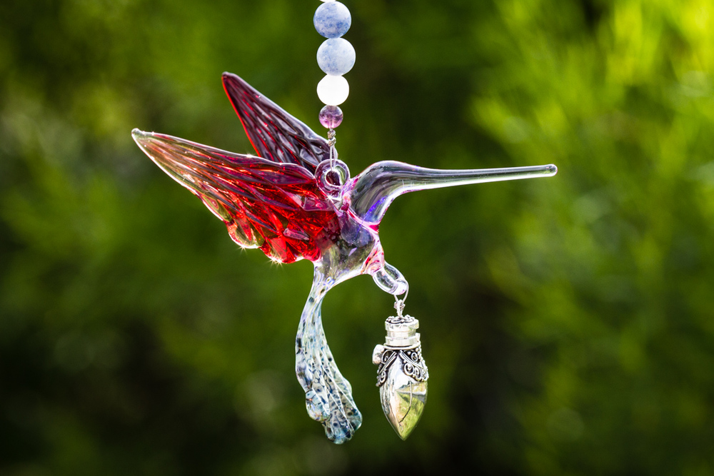 glass-hummingbird-with-silver-keepsake-pendant-for-cremation-ashes