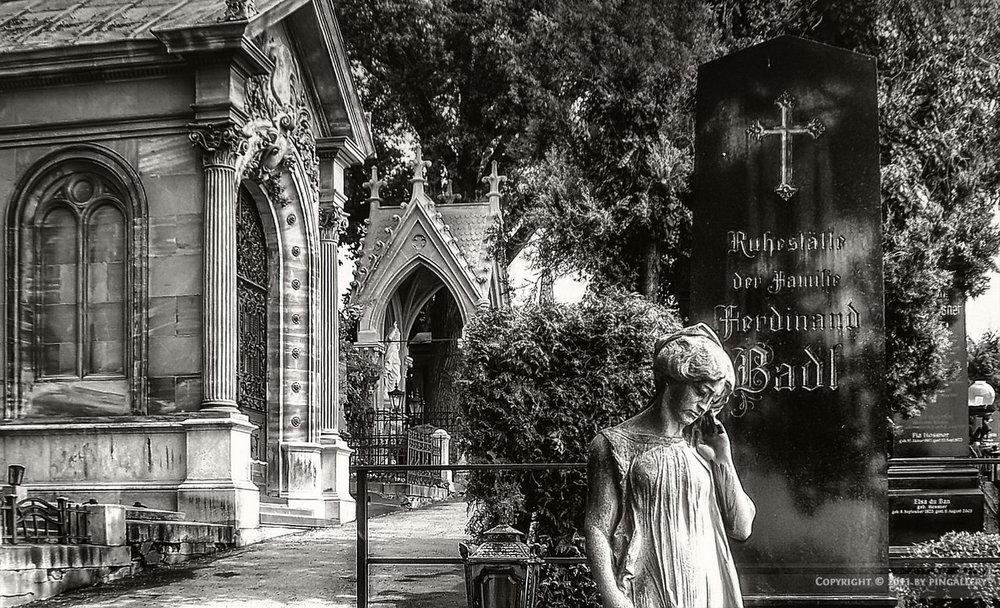 Grinzing cemetery in Vienna