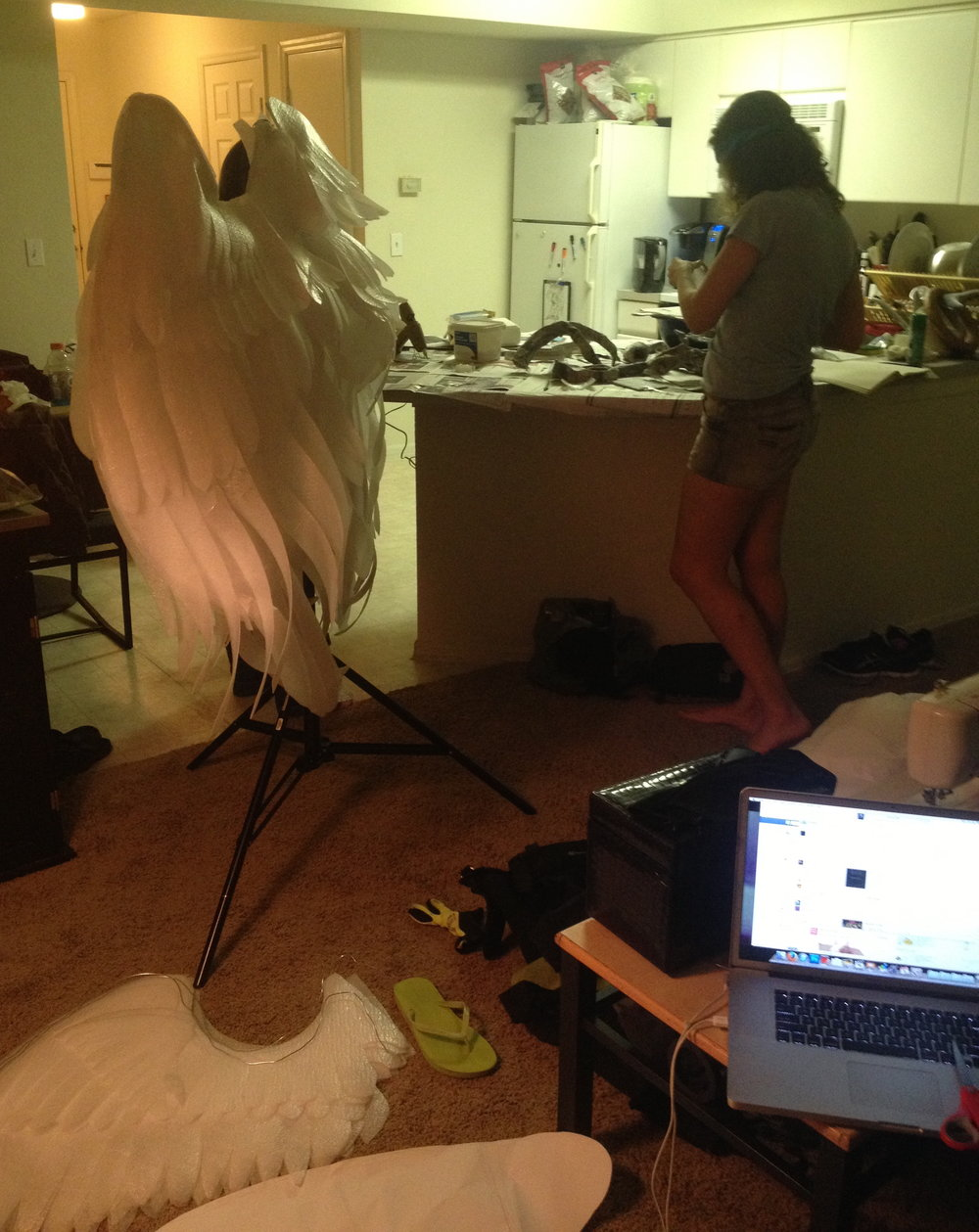 During college Kelly turned her apartment into the central location while creating wings for a Von Wong shoot