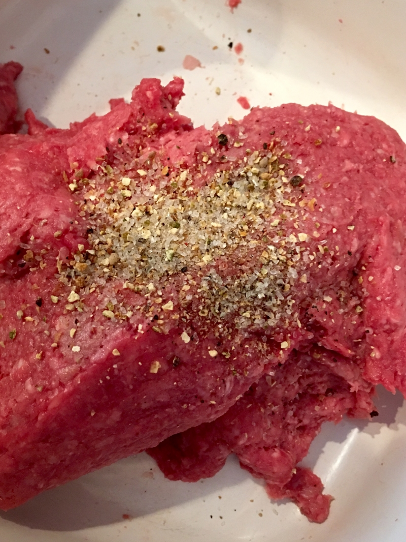 Ground Kobe Beef seasoned with  Naturiffic Peppery Lime Salt