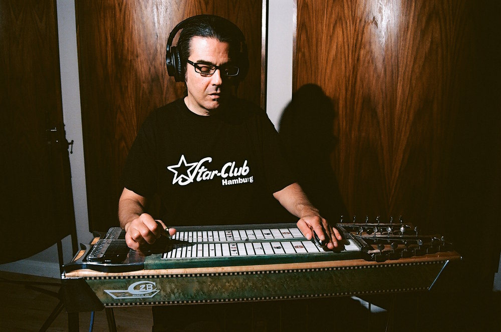 Pedal Steel Guitarist Joel Martin (Photo by Devin O'Brien)