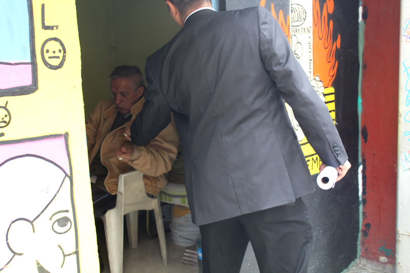 Above: Cesar stopping by the office on the way out to give the guy 20 pesos for the 20 minutes we spent drawing in a private space.