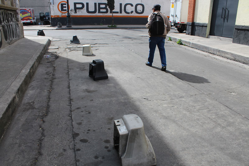 Above: It's unclear if the appropriation is meant to last short-term or long-term, such as these street dividers that were made out of old computer shells. Are they still here at night? Reminds me of how, in some neighborhoods, the vendors will leave their things behind for the next day, while in others you won't see anything that could be taken advantage as an unsupervised resource.