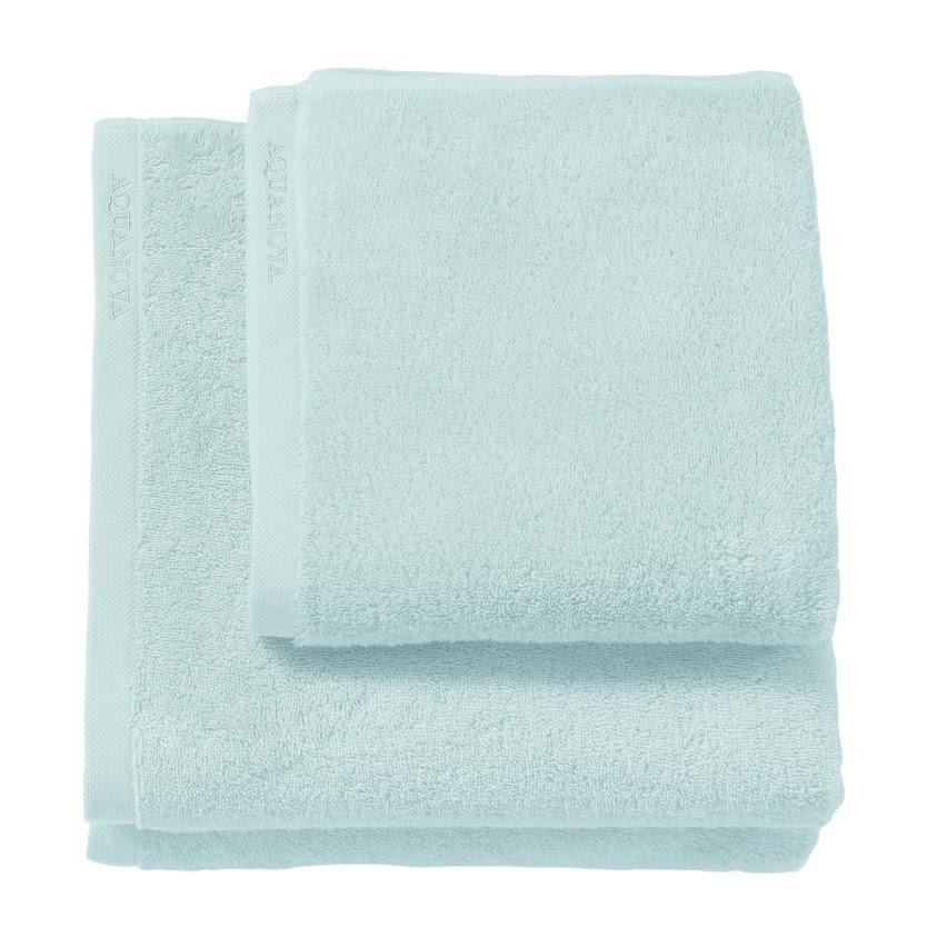 Flotte håndklær av 100% egyptisk kjemmet bomull fra Aquanova.600 gram tykke, gode håndklær med matchende badematter. Kommer i flere nydelige farger.