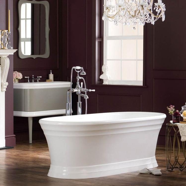 Et frittstående badekar klassisk design.  Badekaret er vakkert å se på, og utformingen gir en god støtte til ryggen. l: 1798 cm b:781cm   : 597 cm.
