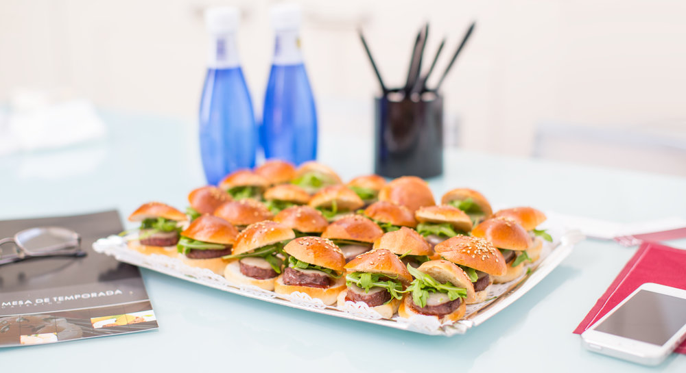 Bandeja-mini-hamburguesas.jpg