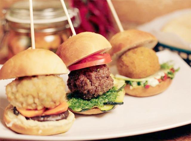a-tu-bola-mini-burger-gourmet.jpg