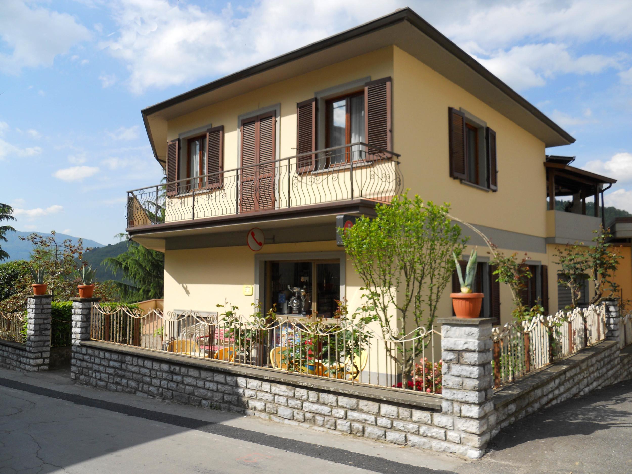 Pizzeria La Credenza Castelnuovo Di Garfagnana : Our first feedback ! and top ten food shops u2014 la collina del sole