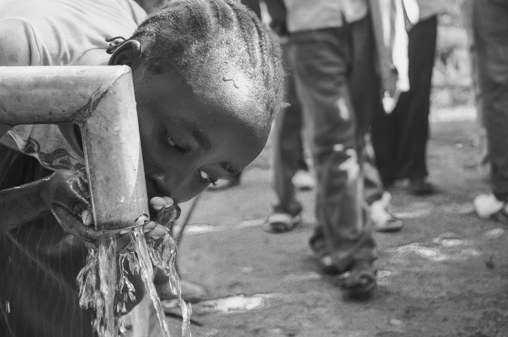 The water pump means that the inhabitants of the village no longer need to drink dirty river water, teeming with parasites, bacteria and animal waste. This clean water access point in the heart of the community also means that inhabitants can avoid a long daily trek to the river with a heavy jerry can.
