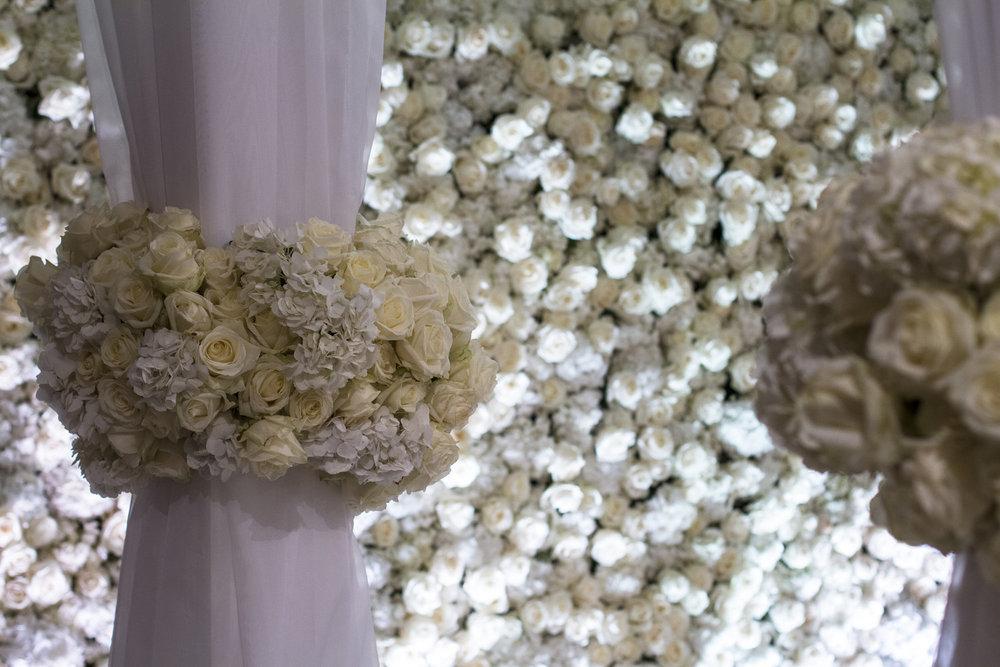 chuppah detail flowers.jpg