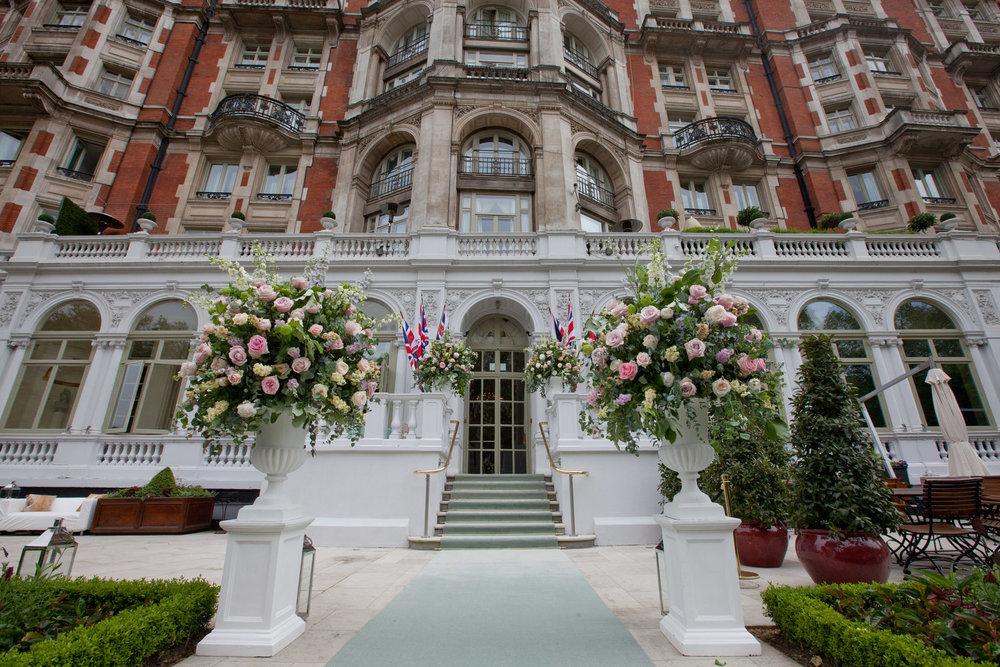 flowers entrance hotel.jpg