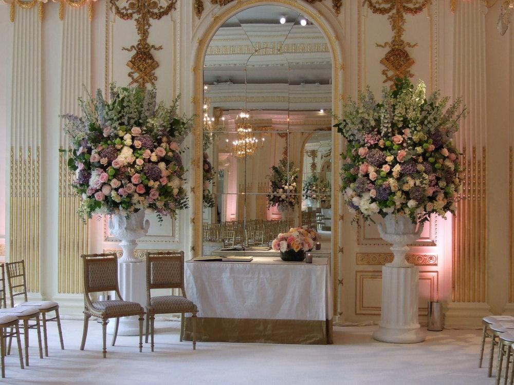 wedding ceremony flowers.jpg