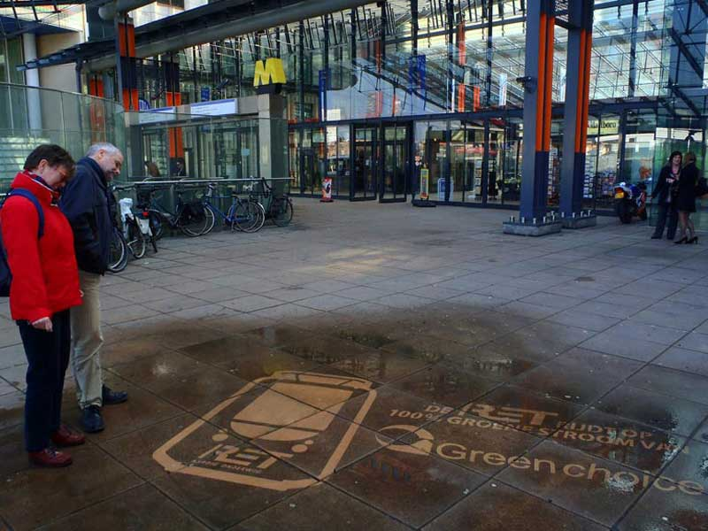 Green-Choice-reverse-graffiti-cleaned-advertising-Rotterdam.JPG