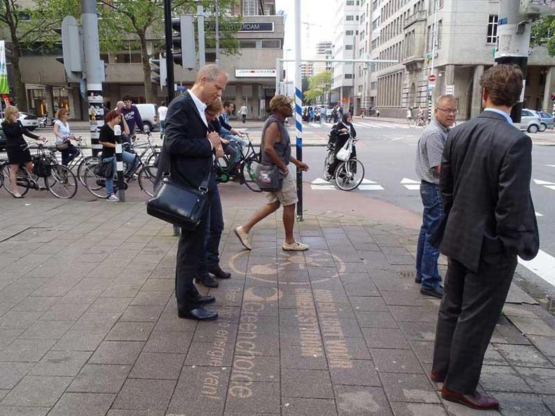 Green-choicereverse-graffiti-cleaned-advertising-Rotterdam.JPG