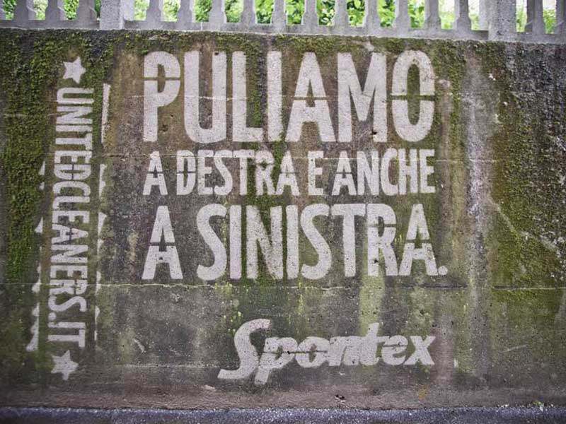 reverse-graffiti-cleaned-advertising-Italy.JPG