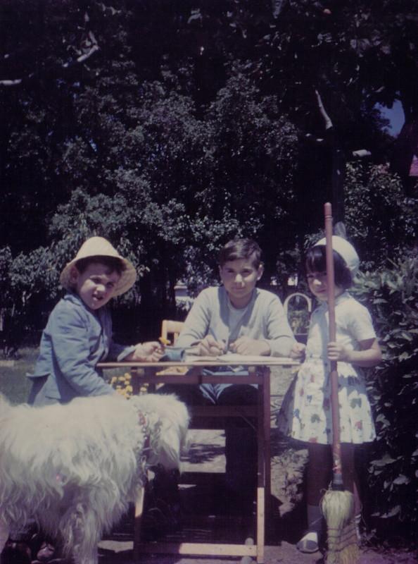 Cristoforo, Armando e Gabriella con il cane Pippo