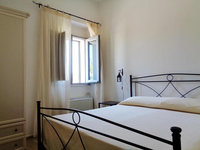 La-Casa-di-Ora-Fondazione-Le-Costantine-Camera-14b.01-Prime_foto_curv_contr.jpg