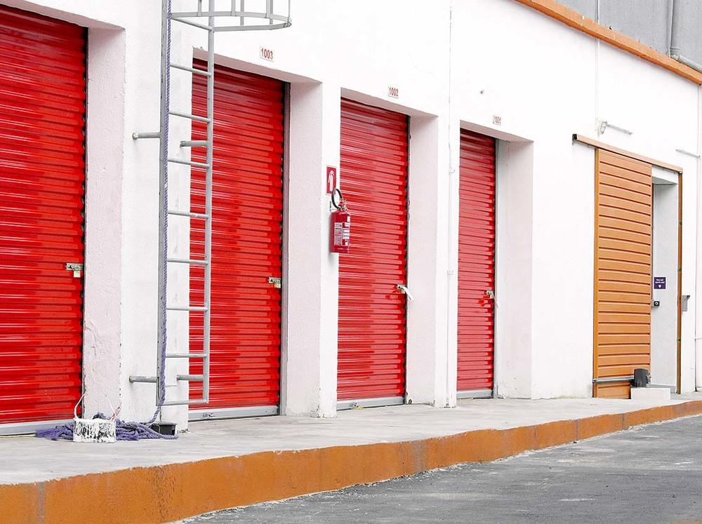 Espaços com acesso direto do exterior do estacionamento