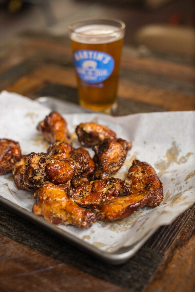 Martin's BBQ Nashville - chicken wings