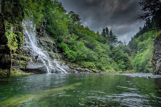 @monstamikea crushing kings in #sitka #ak . . . . . #flyfishing #alaska #chinook #salmon #king #waterfall #remote #river #simms #fishon #fish #neverstopexploring #getoutstayout #storm #7dmkii #canon #photography