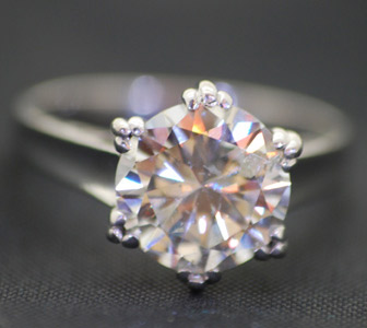 solitare-diamond-white-gold-engagement-ring.jpg