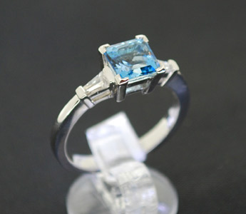 square-aquamarine-diamond-white-gold-ring.jpg