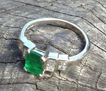 emerald-and-diamond-white-gold.jpg