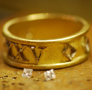 diamond-roman-numeral-gold-ring.jpg