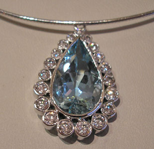 aquamarine-diamond-white-gold-pendant.jpg